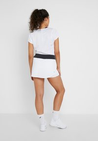 ASICS - TENNIS SKORT - Sportkjol - brilliant white/graphite grey - 2