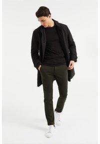 WE Fashion - Chinos - dark green - 1