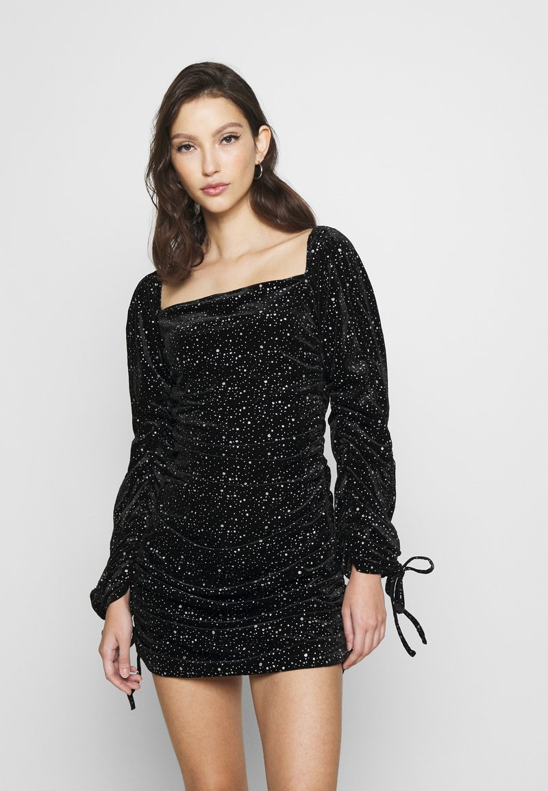 Missguided - COSTELLO TIE SLEEVE RUCHED GLITTER DRESS - Shift dress - black