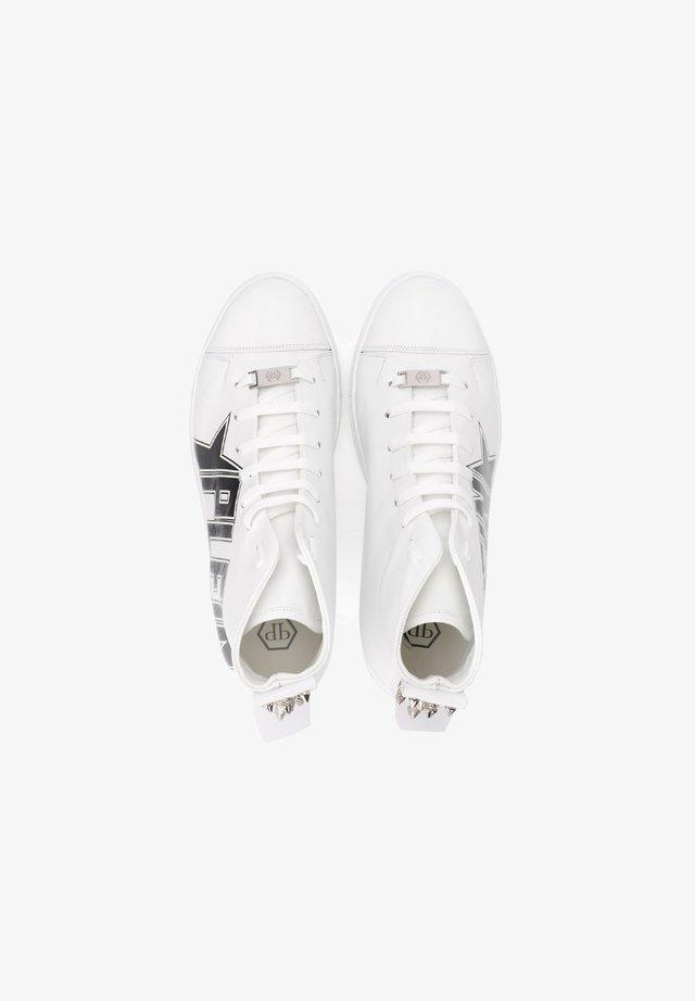 CON BORCHIE - Sneakers alte - bianco