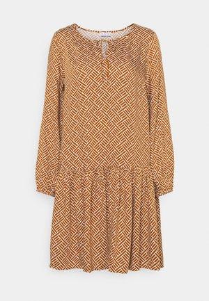 PRINTED DRESS - Sukienka letnia - chai