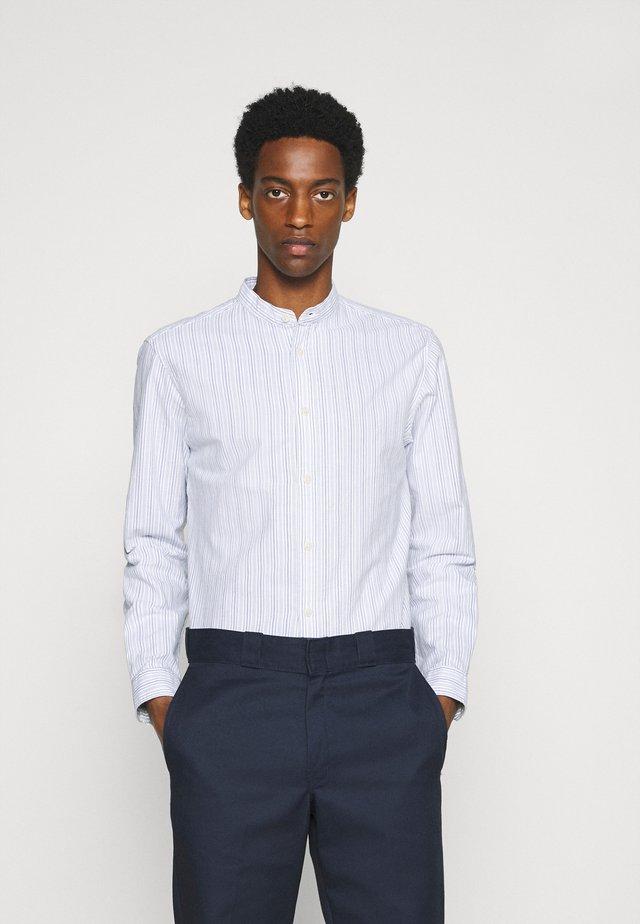 SLHSLIMMILTON STRIPES - Camicia elegante - dark blue