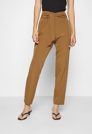 ONLCAROLINA MAIA BELT PANT - Trousers - toasted coconut