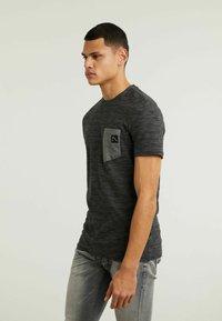 CHASIN' - TODAY - Print T-shirt - dark grey - 3