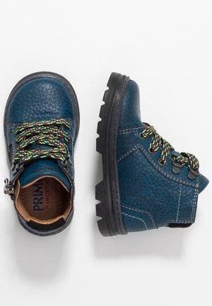 Šněrovací kotníkové boty - blu/nero