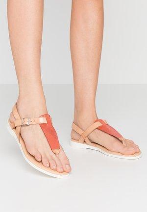 FLORA - T-bar sandals - sand/lipstick