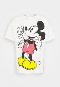 DISNEY MICKEY AND FRIENDS TEE - Print T-shirt - marshmallow