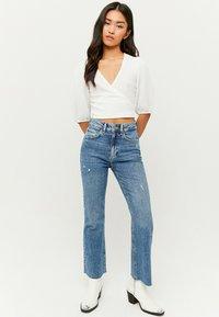 TALLY WEiJL - Flared Jeans - blu017 - 1