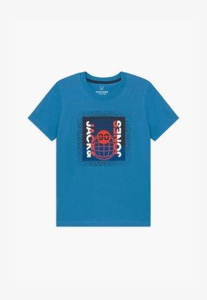 JCOSPLATTER TEE CREW NECK - T-shirt imprimé - cendre blue