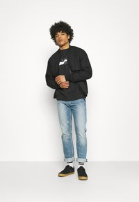 Nike Sportswear - COURT CREW - Sweatshirt - black - 1