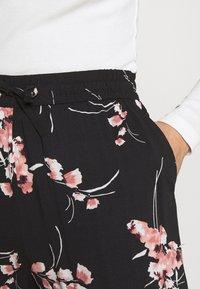 b.young - JOELLA   - Trousers - black - 4