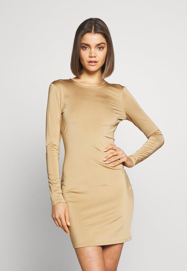 OPEN BACK DETAIL DRESS - Sukienka z dżerseju - dark beige