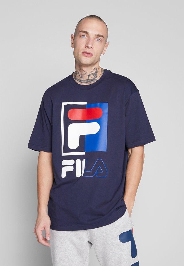 SAKU TEE - T-shirt imprimé - black iris
