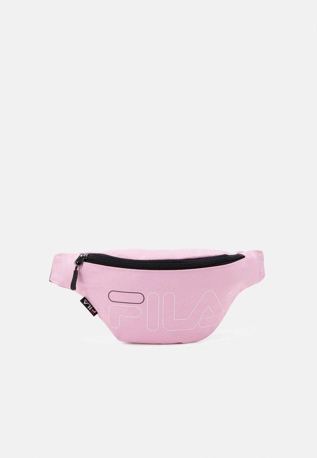 WAIST BAG SLIM - Ledvinka - lilac sachet