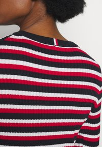 Tommy Hilfiger - ESSENTIAL CABLE - Jumper - global white - 4