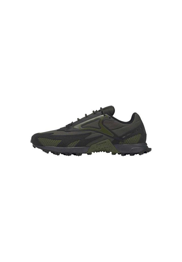 AT CRAZE 2.0 SHOES - Chaussures de running - green