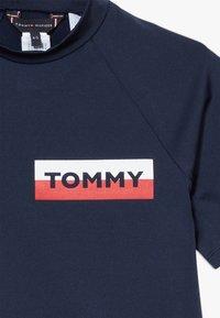 Tommy Hilfiger - RASHGUARD  - Rash vest - blue - 3