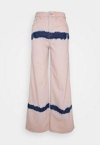 BDG Urban Outfitters - PUDDLE  - Vaqueros boyfriend - pink tie dye - 5