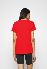 Levi's® - THE PERFECT TEE - T-shirts - poppy red - 2