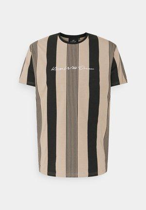 VEDLO - Print T-shirt - jet black/dark sand