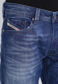 Diesel - LARKEE 008XR - Straight leg jeans - 01 - 3