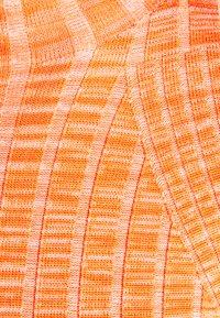 CECILIE copenhagen - CAISA - Neule - peach - 6