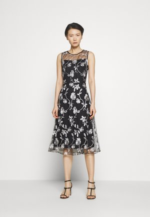 MIDI BANDED FIT FLARE - Cocktail dress / Party dress - black/ivory
