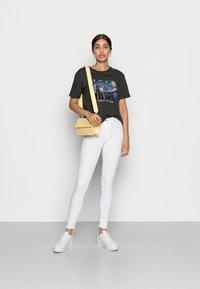 Even&Odd - T-shirt med print - anthracite - 1