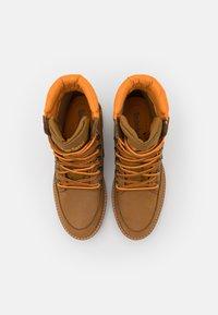 Timberland - COURMAYEUR HIKER WP - Snørestøvletter - medium brown - 5