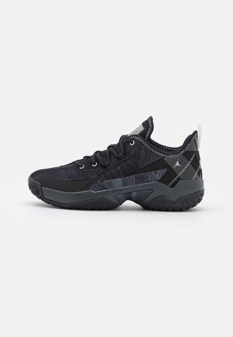 Jordan - ONE TAKE II UNISEX - Basketball shoes - black/mertallic silver/anthracite