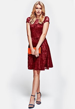 LACE - Cocktail dress / Party dress - red