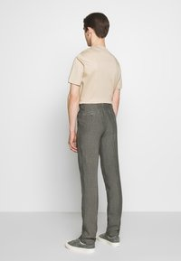 120% Lino - TAILORED TROUSERS - Trousers - anthracite - 2