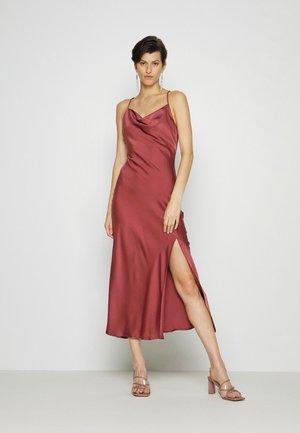 STRAPPY BIAS CUT MIDI DRESS WITH SPLIT COWL NECK - Koktejlové šaty/ šaty na párty - dark rose
