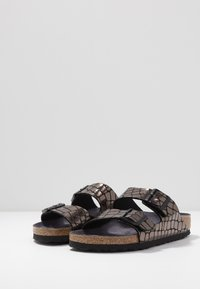 Birkenstock - ARIZONA - Slippers - gator gleam black - 4
