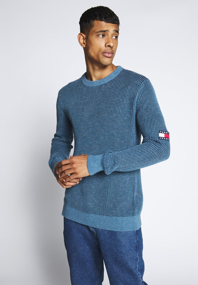 TJM TEXTURED BADGE SWEATER - Maglione - audacious blue
