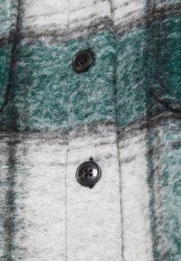 CLOSED - TITANIA - Light jacket - green - 2