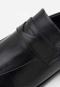 HUGO - APPEAL LOAF BUPE - Scarpe senza lacci - black - 5