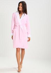 Lauren Ralph Lauren - ESSENTIALS - Dressing gown - pale pink - 0