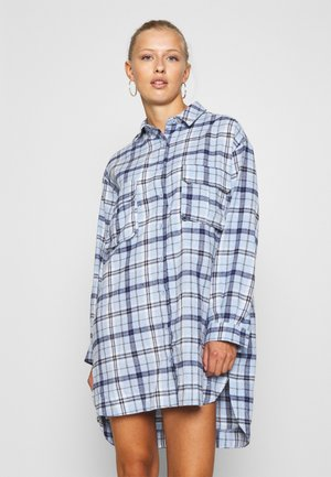 OVERSIZED DRESS CHECK - Korte jurk - powder blue