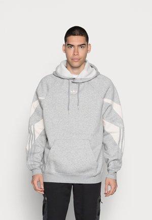 SHARK HOODIE - Collegepaita - medium grey heather/white