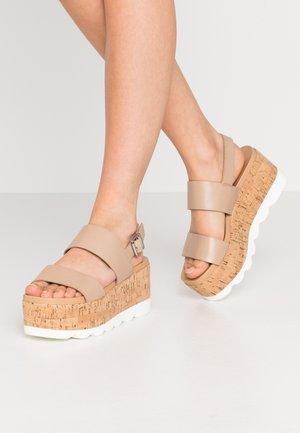 HAZY - Sandály na platformě - blush