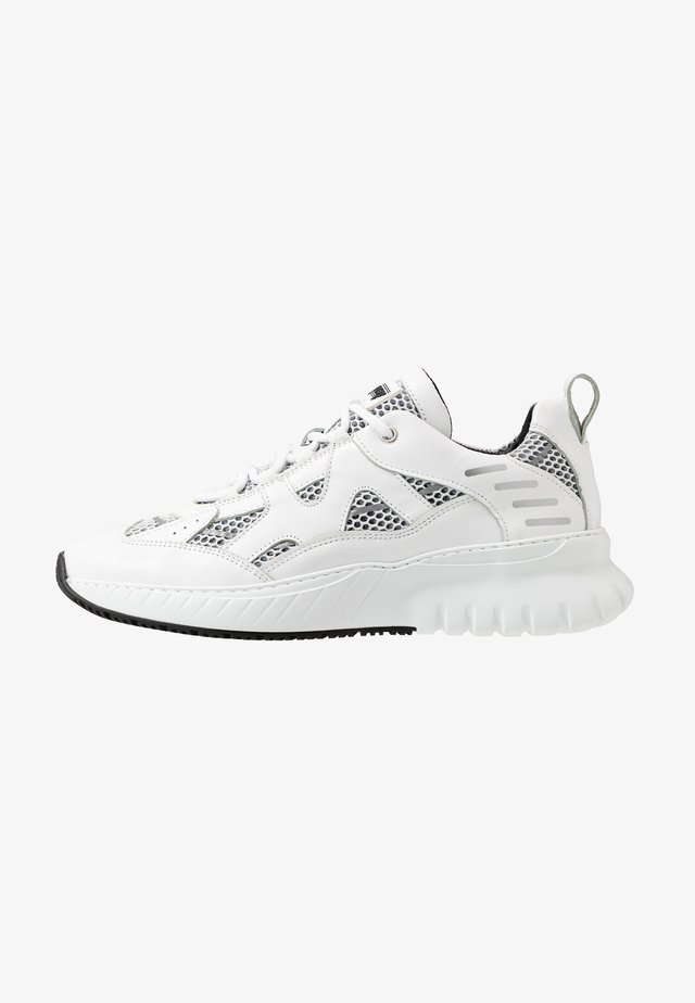 JUPITER TRIPLE - Sneakers basse - white