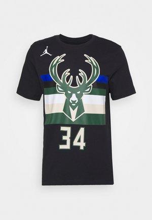 NBA MILWAUKEE BUCKS GIANNIS ANTETOKOUNMPO NAME & NUMBER TEE - Print T-shirt - black