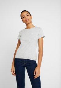 Calvin Klein Jeans - EMBROIDERY SLIM TEE - Camiseta básica - light grey heather - 0