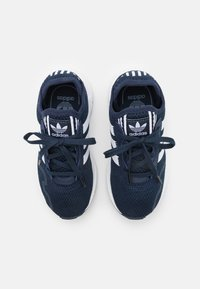 adidas Originals - SWIFT RUN X SHOES - Zapatillas - collegiate navy/footwear white/core black - 3