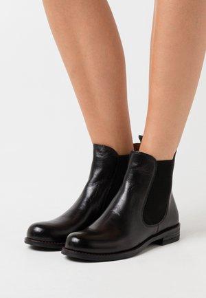 AVENA - Støvletter - black