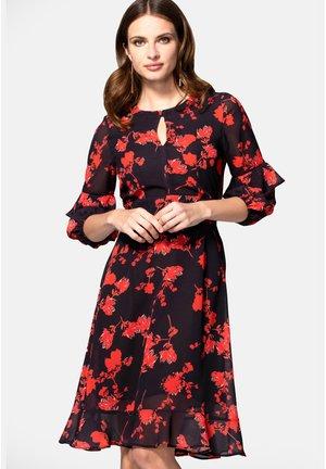 PRINT CHIFFON - Korte jurk - red flower