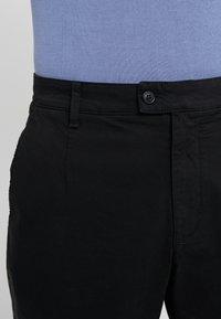 Versace Collection - PANTALONI TESSUTO - Trousers - nero - 6