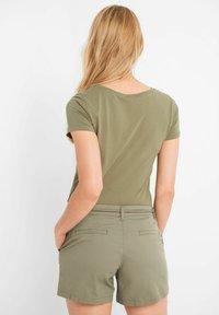 ORSAY - Shorts - tannengrün - 1