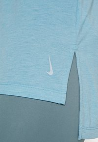 Nike Performance - YOGA LAYER TANK - Sportshirt - cerulean heather/glacier blue/light armory blue - 4